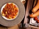 Рецепта Прясна паста талятели с доматен сос, канела и наденица
